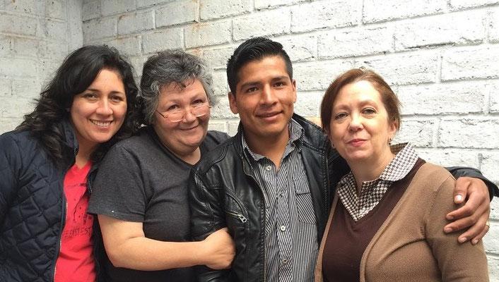 Als Kind hat Angel Ordoñez die Schule Educare von Cisol besucht. Im Anschluss hat er an einem Gymnasium in Loja die Matura absolviert und besucht nun die Polizeiakademie.