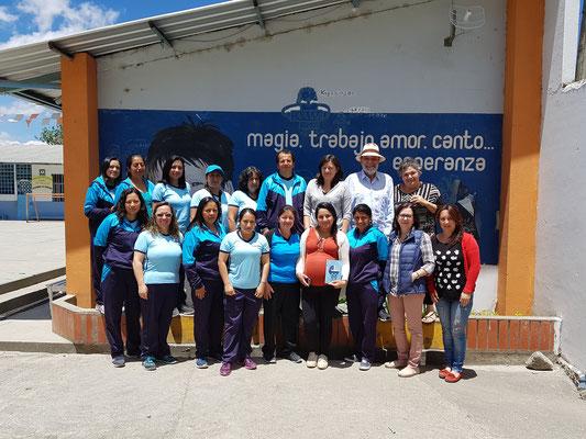 Schule Educare - das Team mit Administrationspersonal und LehrerInnen
