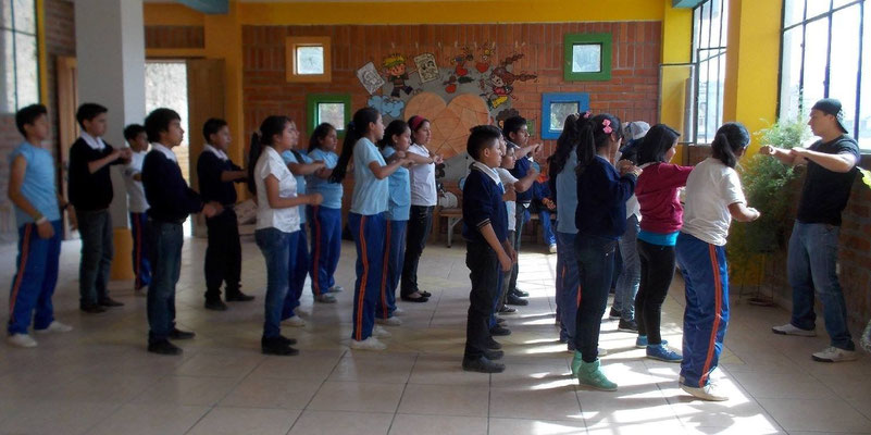 Vorbereitungen auf eine Tanzvorführung. Foto: Cisol 2014