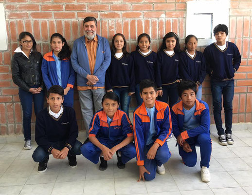 10. Klasse Schule Educare (5 SchülerInnen fehlen auf dem Foto)