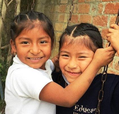 Bei Cisol werden auch Freundschaften geschlossen. Kinder können Kinder sein und mit Freunden spielen & lachen. Foto: Cisol 2015