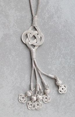 Endlosknoten aus Silberdraht, Feinsilber. i-must-have.it