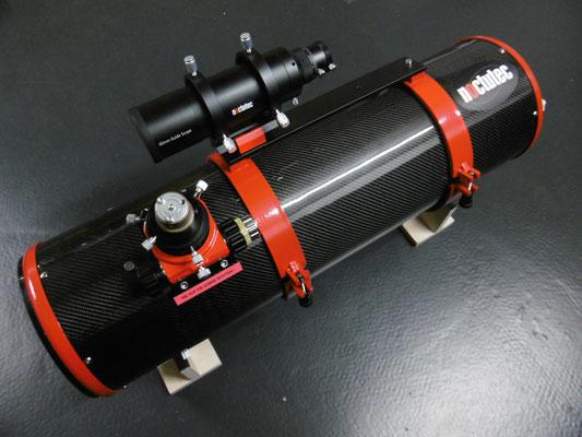 Fertig montiertes Gerät mit 60mm f/4 Guidescope von noctutec