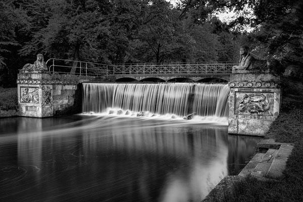 Kaskaden Brücke - Schlosspark Laxenburg © c.rebl