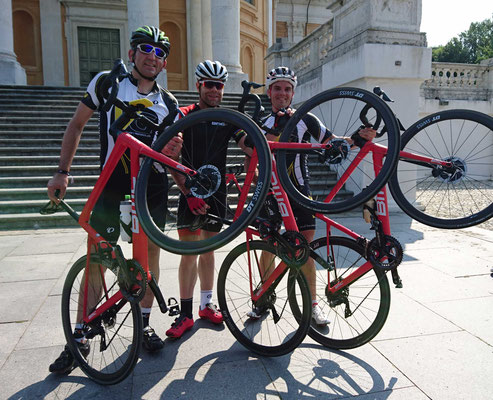 Michael und Tom mit Cadel Evans am BMC Event in Turin