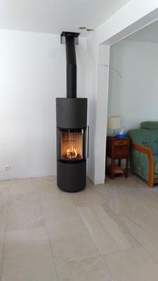 Poêle à bois avec grande vision du feu