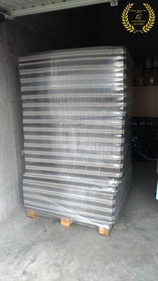 I nuovi tatami EVA 100x100x4cm al loro arrivo nel magazzino Iwama Budo Kai.