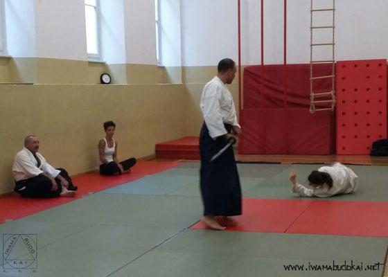 Difesa da attacco con la katana (uke: Silvia D'Arrigo).