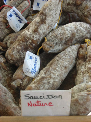 le marché du mardi à Lamastre est réputé - Ardèche 07