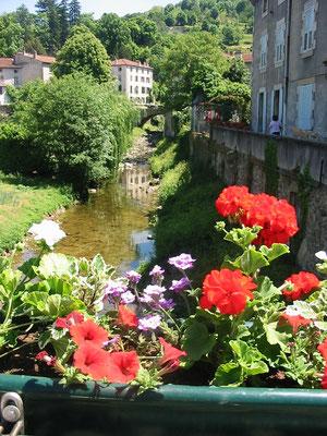 Le Condoie traverse Lamstre - Ardèche 07