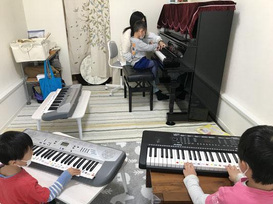 どれみLABO みんなのどれみ リトミック プレピアノ グループレッスン