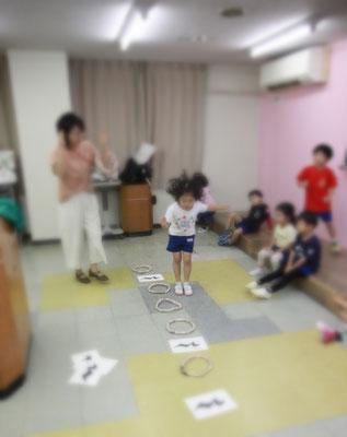 リズム学習 リトミック 幼稚園 どれみ音楽教室