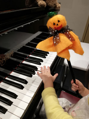 マンツーマンピアノリトミック Halloween どれみ音楽教室