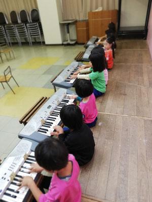 キーボード 幼稚園 リトミック どれみ音楽教室