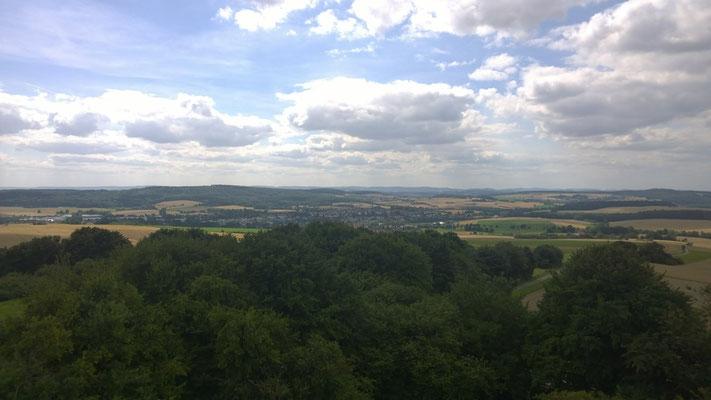 Weiter Blick vom Saalberg nach Südosten, hier auf Sonneborn © Lippe Tourismus & Marketing GmbH