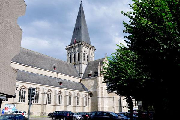 Die Sint-Martinuskerk in Asse