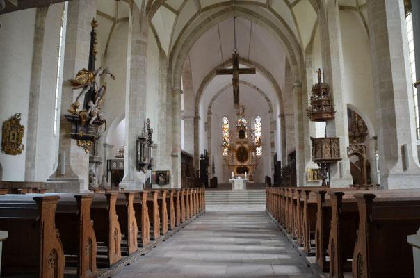 Spätgotische Langhaushalle im Dom St Johannis und Laurentius