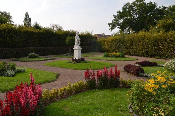 Schloss Belvedere Russischer Garten