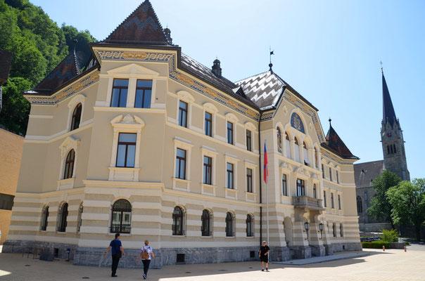 23 Regierungsgebäude