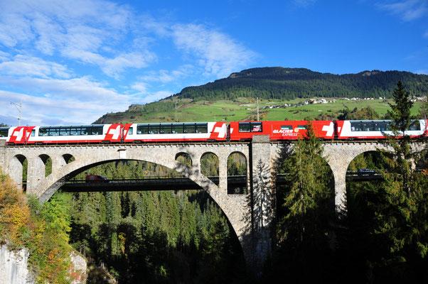 06 Glacier-Express auf dem Solisviadukt