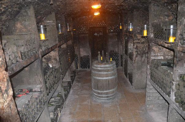 Weinarchivkeller im Weingut Kloster Pforta