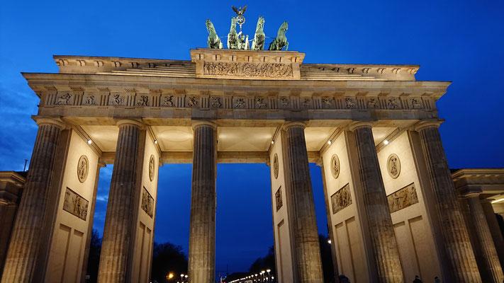 Brandenburger Tor im Abendlicht