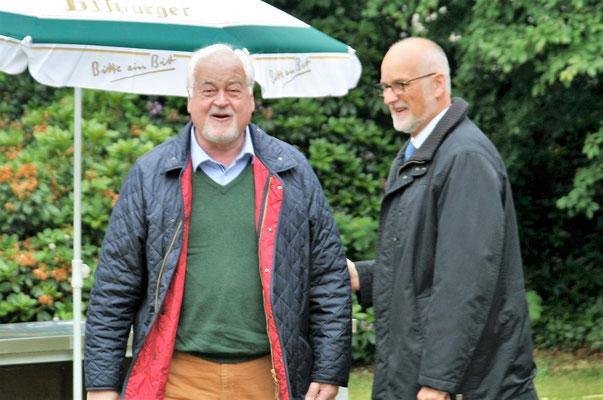 Dr. Peter-Harry Carstensen, Ministerpräsident a.D. mit Johann Hansen, Vorsitzender OV CDU Schenefeld