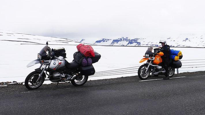 Schneefelder, Island