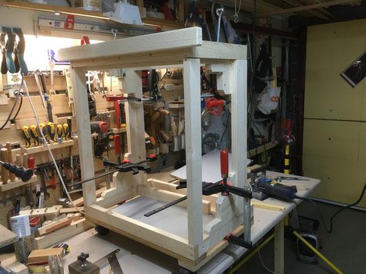 Rahmenkonstruktion für Oberfräsen-Rolli