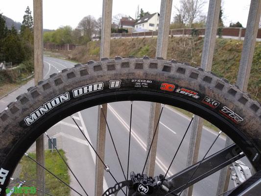 Maxxis Minion DHR und DHF Reifen als Ausstattung