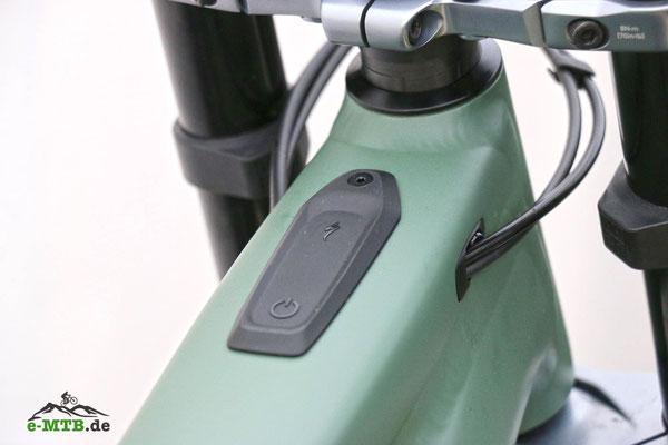 Wie beim Vado befindet sich auch beim Kenevo der Power-Button auf dem Rahmen.