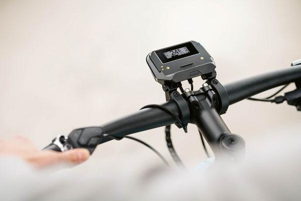 Bosch Smartphone-Hub mit Display für Fahrdaten ohne Handy.