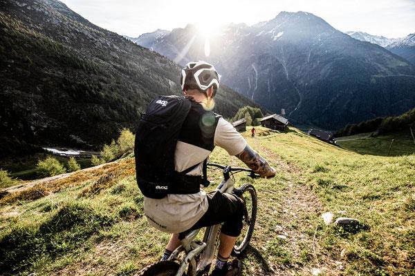 Mit dem Haibike Allmnt e-Mountainbike die höchsten Berge erklimmen