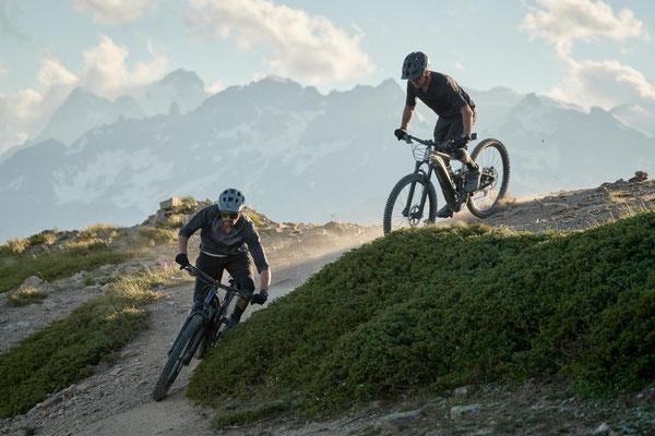 Über bergiges Gelände mit dem Giant Trance X E+ 2021 e-MTB