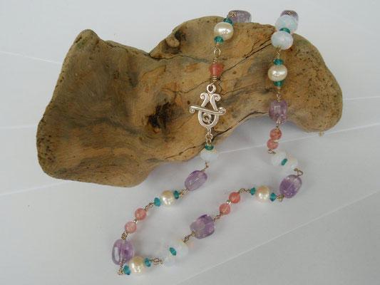 """Art.Nr.03117 Kette """"Mädchentraum"""" bestehend aus Sterling Silber, Ametrin, Erdbeerquarz, Süßwasserperlen und Glasperlen. Gesamtlänge 55cm (€49.-)"""