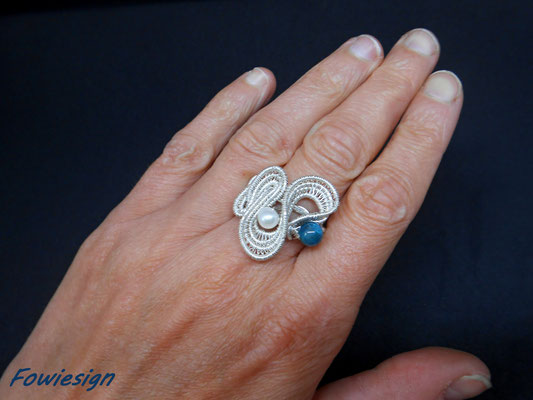 """Ring """"Wave"""" Sterling- und Feinsilber, Ringgröße 54 (€ 89.-)"""