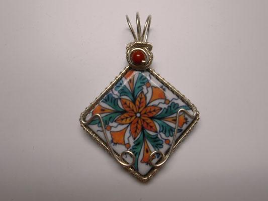 "Anhänger ""Minifliese"" in Sterlingsilber ( Art.Nr.: 07617  € 59,- ) oder Kupfer ( Art.Nr.:07117 € 36,- ) aufwendig gefasst."