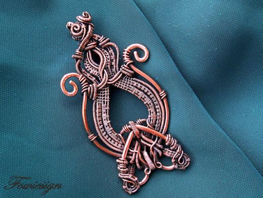 """Art.Nr. 00111 Brosche """"Design Challenge"""" opulentes Design in Kupfer, kann auch als Anhänger getragen werden. Gesamtlänge 8cm"""