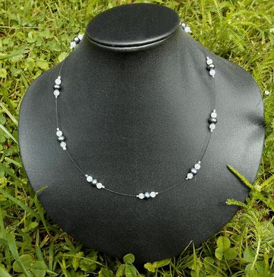 Art.Nr.03717 Schwarze Perlen und Bergkristall   45cm  (17.-)