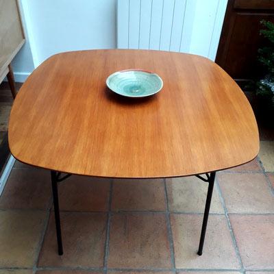André Simard, table de salle à manger en orme pour Meubles T.V, c. 1954