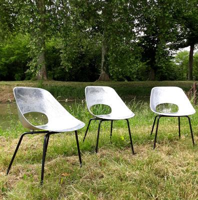 Pierre Guariche, suite de 3 chaises alu pour Steiner, c. 1955