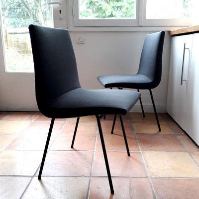 Pierre Paulin, paire de chaises modèle 145 pour Meubles T.V, c. 1954
