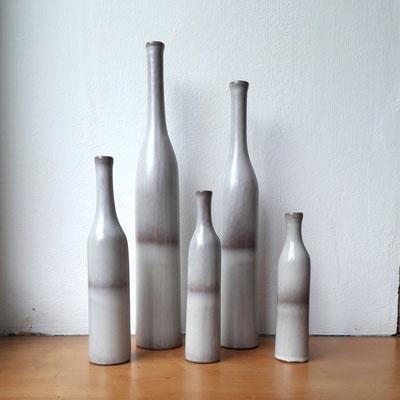 Jacques & Dani Ruelland, série de 5 bouteilles en céramique, c. 1970