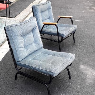Airborne, fauteuil et chauffeuse de la série Prefacto, c. 1952