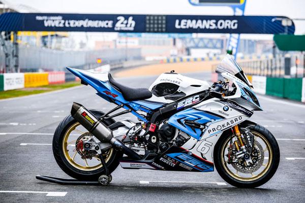 Compleet spuitwerk 2 motoren op de kale delen + belettering. ERC-BMW MOTORRAD ENDURANCE 24H - FIM EWC | Endurance World Championship.
