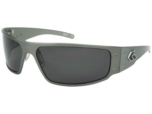 MAGNUM Gun Meta/Grey Smoked Polarized Lenses/¥25,000(税別)