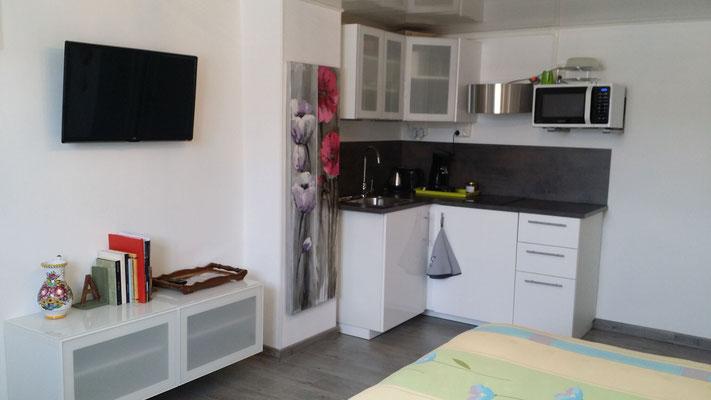 la kitchenette organisée avec soin et même en espace réduit rien ne manque !