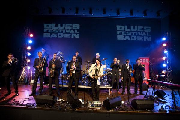 Grosses Kino: Ed Elastic im TRAFO Kultur- und Kongressaal Baden: Das Bluesfestival staunte...