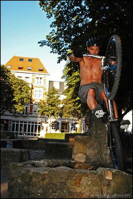 Joe, bike-trial in Freiburg