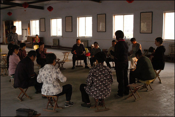 The director Zhu Cong Hua and Anita took me at the Qi Gong centre in Tai'an